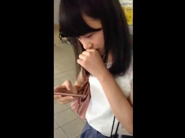 【盗撮】即削除!可愛い素人娘を声掛け尾行!!!まさかのスカート捲りパンチラとか!!