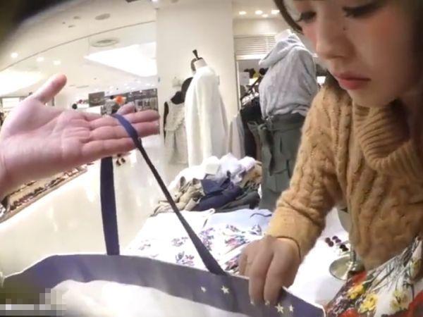 【盗撮】超SSSSS級の色白美人ショップ店員の本物パンチラ映像とか正しく最高傑作すぎるwww