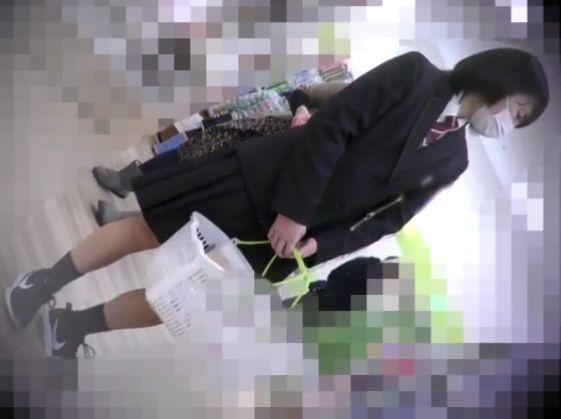 【素人 盗撮個人撮影】童顔な素人女子校生の盗撮個人撮影パンチラ隠し撮りプレイがエロい!!【Share Videos動画】