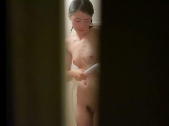 【リアルHD盗撮動画】他人宅浴室のぞき!感動レベルの美少女娘ちゃんの裸体を無断収録!